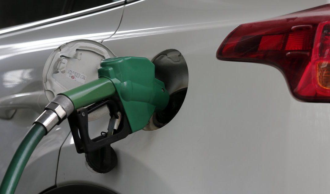 Por cuarta semana consecutiva no subirá el precio de los combustibles