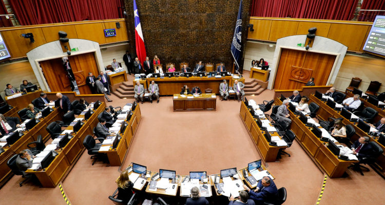 Comisión del Senado aprueba proyecto para limitar reelección de congresistas y otras autoridades