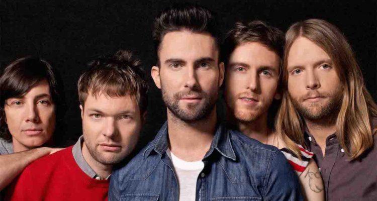 Detienen al bajista de la banda Maroon 5 por denuncia de violencia intrafamiliar