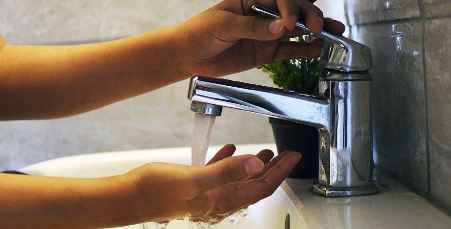 Empresas sanitarias no cortarán el agua por morosidad: Se extendió la medida al menos hasta abril por la pandemia