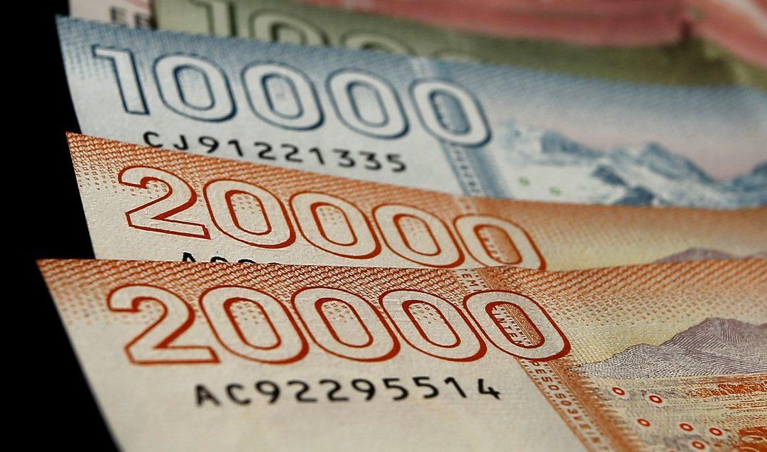 Cadem: 80% de los chilenos realizaría segundo retiro de fondos de pensiones